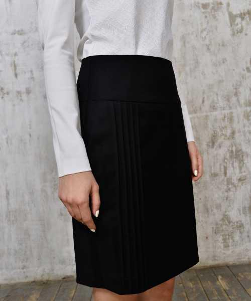 Pleated black skirt 1